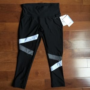 NWT! Jockey Sport 3/4 length leggings